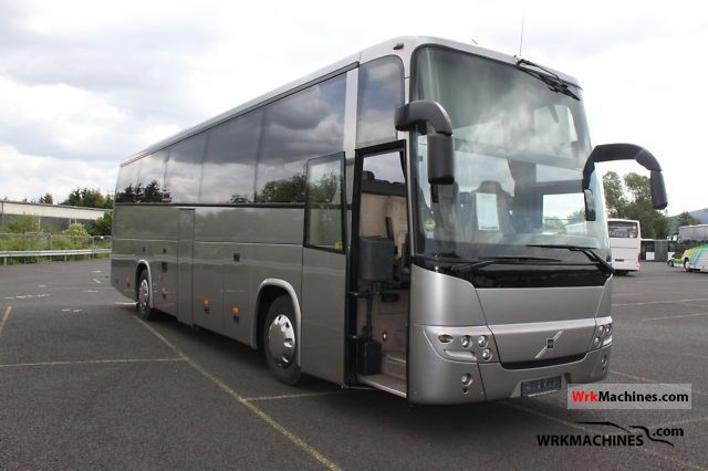 VOLVO 9700 9900 2003 Coaches Photos and Info