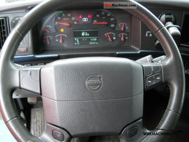 VOLVO FH 500 2010 Standard tractor/trailer unit Photos and Info