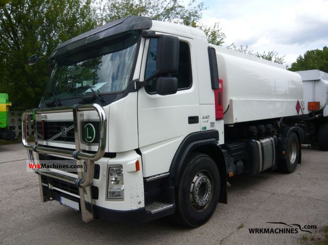 2009 VOLVO FM FM 440 Truck over 7.5t Tank truck photo